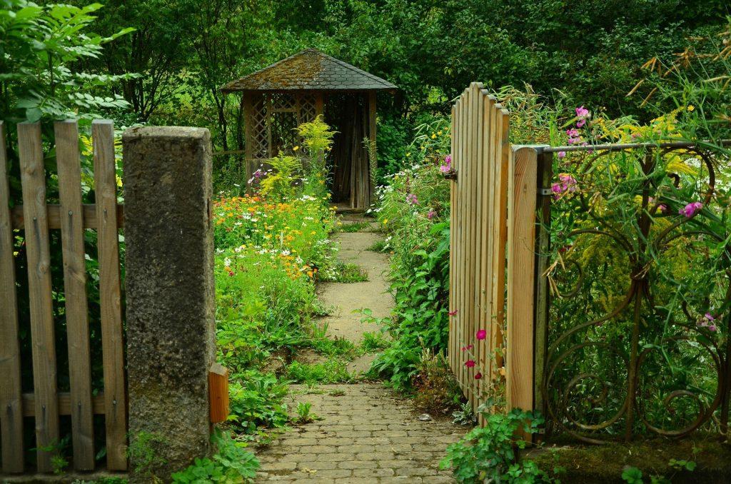 pforte zum nachbargarten